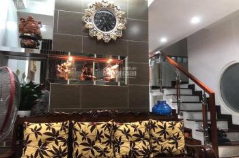 Gia đình định cư bán nhà 1t2L Trần Bình Trọng, Q.5, Nhà đẹp vào ở ngay, hoặc có thể cho thuê.