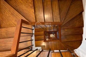 Nguyễn Chí Thanh nhà 6 tầng có thang máy cần bán gấp. 0971778963