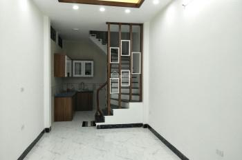 Bán nhà ngõ 281 Trương Định 35m2x5T xây mới tinh cực đẹp giá 2.5 tỷ, LH 0982084195