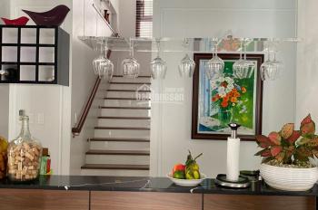 Định cư bán gấp biệt thự đơn lập Mỹ Văn 2 PMH q7, dt 18x16 nội thất làm kỹ, giá 43 tỷ LH 0909865538