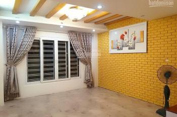 Cần bán nhà DTXD 50m2 tại 73 Nguyễn Trãi, ngõ hơn 6m 2 ô tô tránh nhau, 1 đỏ vào nhà
