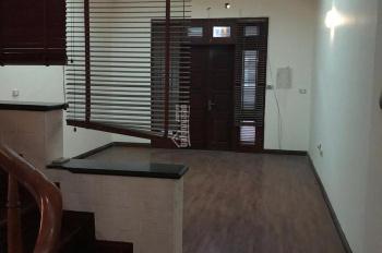 Cho thuê nhà mặt phố Hoàng Ngân, Trung Hoà, Cầu Giấy diện tích 70m2 x 2,5T. Giá 26tr/tháng