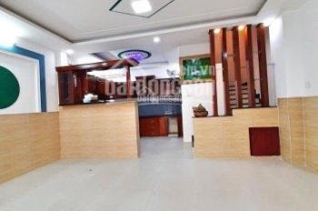 Chính chủ bán gấp nhà đường Quang Trung, P.8, DT 5.5x9m, 1 trệt 4 lầu, hẻm xe hơi. Giá 5,5 tỷ
