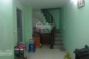 Cho thuê nhà riêng 3 tầng x 22m2 phố Hai Bà Trưng gần Tràng Tiền, giá 5,5tr/tháng