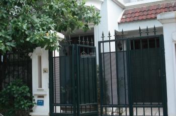 Cho thuê biệt thự dãy C1, khu đô thị Ciputra, Hà Nội, 3 tầng có sân vườn, chỗ đỗ ô tô