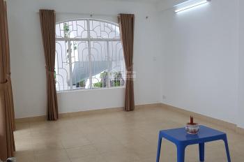 Cho thuê biệt thự đường Cửu Long quận Tân Bình diện tích 10x18m 1 trệt 3 lầu