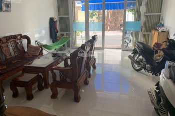 Chính chủ cho thuê nhà 2 tầng khu đô thị Hà Quang. LH: 0364346069