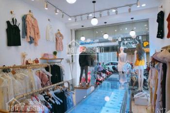 Sang lại shop quần áo giá rẻ. Ngã 4 Trần Huy Liệu & Huỳnh Văn Bánh, Phú Nhuận. 100tr