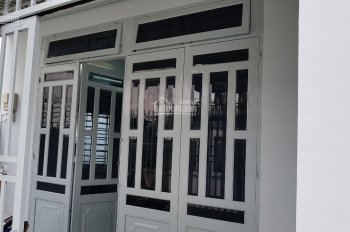 Cần bán gấp nhà cấp 4 ngay ủy ban xã Tân Hiệp - Hóc Môn, DT 81m2, giá 1 tỷ 400 triệu, sổ hồng riêng