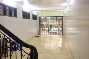 Cho thuê nhà 4 tầng mặt đường Tô Hiệu, thông sàn