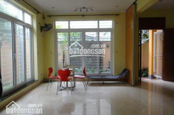 Cho thuê biệt thự lô góc 200m2, xây 4 tầng rộng đẹp KĐT Dịch Vọng, Cầu Giấy, làm VP công ty