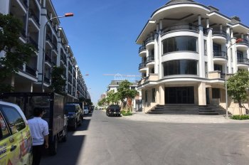 Cho thuê nhà phố làm mặt bằng kinh doanh, văn phòng công ty ở Thủ Đức giá thuê 17 triệu/tháng