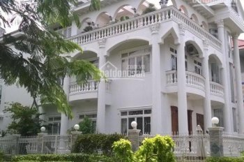 Bán biệt thự đơn lập Mỹ Hào - Phú Mỹ Hưng - Quận 7. DT: 304m2 giá tốt: 45 tỷ TL - LH: 0912264***