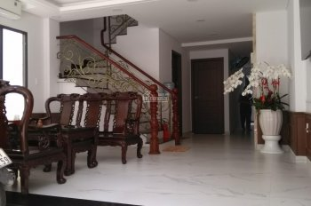 THE NEW APARTMENT IN CENTER OF DISTRICT 1 FOR RENT. FULL FURNITURES. 7 MILLIONS (INCLUDING FEE)