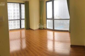 Nhà riêng đoạn ngã tư Minh Khai giao Bạch Mai 55m2 x4 tầng và 25m2 sân, nhà 2 mặt thoáng