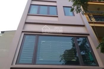 Cho thuê nhà ở Phố Nguyên Hồng DT: 50m2 x 5T, MT:4,5m Full Nội Thất, GT: 22tr/th LH:0903215466HOT