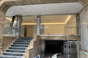Cho thuê mặt phố Xã Đàn - Đống Đa. Diện tích 85m*3 tầng+Hầm , thông sàn. Mặt tiền 7m. Giá 80 triệu