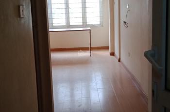 Cho thuê nhà riêng phố Giảng Võ nhà mới 30m2, 5T 3PN WC khép kín Ngõ to cách đường 5m giá 10tr/th