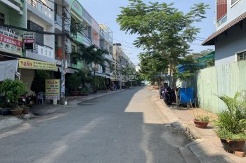 Chính chủ bán nhà khu vip III BùI Minh Trực, phường 5, quận 8, 1 trệt 2 lầu giá 9tỷ5. LH 0938940890