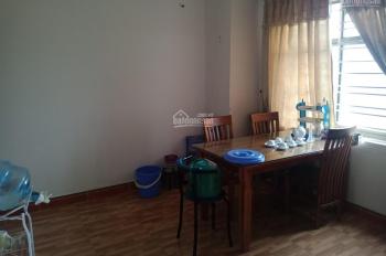 Cho thuê căn hộ KĐT Pháp Vân, 80m2, 2 PN, 1 WC, giá 5 triệu/tháng. Lh 0989554414