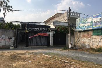 Bán khuôn đất 1.650m2, đường Lê Văn Việt, Quận 9. Cạnh Bách Hóa Xanh, đi 500m đến ngã 4 Thủ Đức