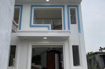 Bán nhà 2 tầng xây mới thôn Hoàng Lâu, nằm giữa KCN Tràng Duệ và KCN Thẩm Quyến