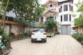 Cho thuê nhà BT Ngọc Thụy, gần trường Pháp, có thang máy, full đồ, sân rộng, 30tr/th. LH 0971598653