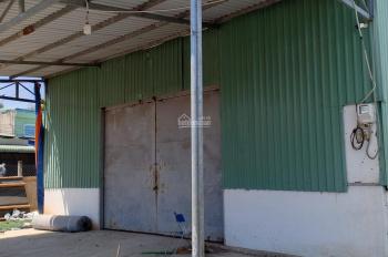 Cho thuê nhà xưởng mặt tiền 450 m Hóc Môn