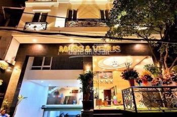Cần Bán Khách Sạn Đẳng Cấp 3 Sao Khu Sân Bay DT:11x16m Vuông đẹp Hầm 7 Lầu HĐ Thuê 210tr/th
