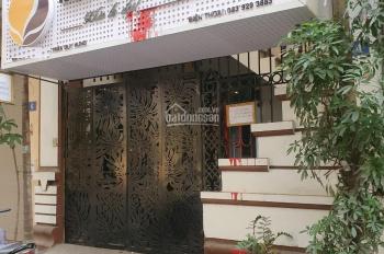 Cho thuê nhà ngõ Trần Duy Hưng, 55m2 x 4 tầng, giá 25tr/ tháng, tầng 1 thông sàn
