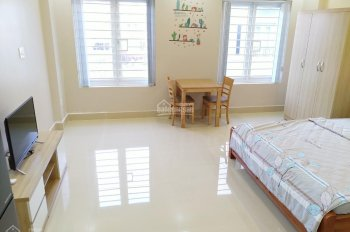 Căn hộ dịch vụ 35m2 mới xây 100% full nội thất đối diện Vincom, KDC Nam Long Quận 7