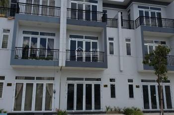 Bán gấp căn nhà đẹp ngay ngã tư Dương Công Khi - Phan Văn Hớn, DT: 5x15m, SHR. LH: 0906.347.827