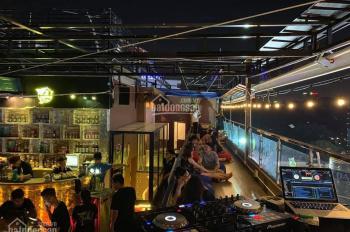 Cho thuê mặt bằng Rooftop mặt tiền Nguyễn Trãi, quận 1 8x20m view siêu đẹp