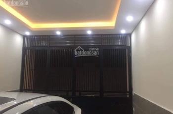 Cho thuê nhà 6 tầng, có thang máy đường Nguyễn Quý Đức, Hà Nội