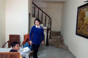 Cho thuê nhà khu phân lô phố Trần Hòa 5 tầng x 30m2. Giá thuê: 8 triệu/tháng