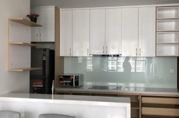 Cần cho thuê căn hộ River Gate 2PN, full nội thất. Liên hệ PKD: 0911153956
