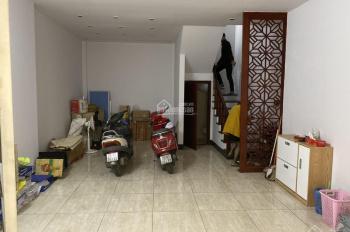 Cho thuê nhà đường Trần Duy Hưng - Trung Hòa- CG, 50m x 5 tầng nhà đẹp giá 28 triệu