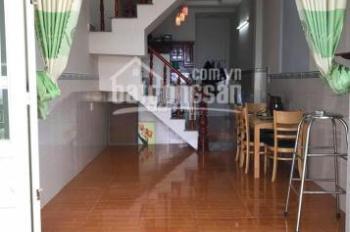 Bán căn nhà 1 trệt 1 lầu 85m2 đường Quang Trung, thị trấn Hóc Môn, sổ hồng riêng, L/H: 0375651099