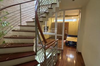 Cho thuê nhà riêng ngõ 82 Yên Lãng 60m2 x 5.5T, ngõ oto, chia 6PN, đủ đồ, giá 22 triệu/tháng