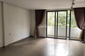 Gia đình cho thuê gấp căn góc NP MT Nguyễn Quý Cảnh Q2 1 hầm 3 lầu, DT 628m2 ngang 10m, 0901372799