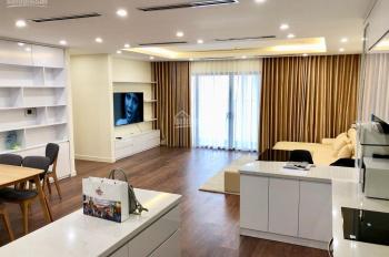 Cho thuê căn hộ chung cư 172 Ngọc Khánh, 4PN, 150m2 đầy đủ đồ, giá 16 triệu/tháng. LH: 0989862204