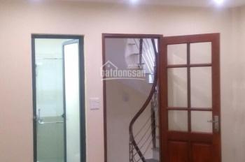 Cho thuê nhà 86/101 Thanh Nhàn, Hai Bà Trưng, HN, DT 30m2 x 4T, giá 8tr/th