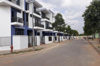 Cần bán nhà phố 5x20m, DTXD 265m2, đối diện chợ Long Trường, Q9, hướng Bắc, đường trước nhà 12m