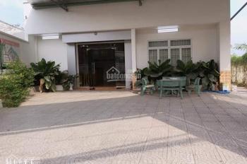 Chủ cần bán gấp MT KD đường Nguyễn Xiển, DT: 181m2 cách đô thị Vincity 1km, LH: 0965315481