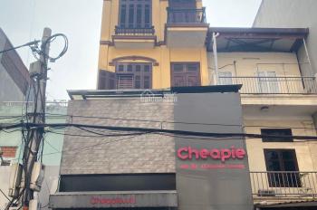 Cho thuê nhà riêng tại Quan Nhân Thanh Xuân , gần khu dân cư , giao thông thuận tiện .