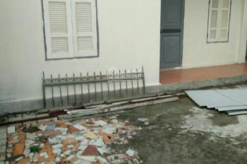 Bán nhà cấp 4 mới xây . Địa chỉ : Thôn Lại Hoàng, Xã Yên Thường , Gia Lâm , Hà Nội . 1 phòng khách