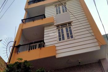 Cho thuê nhà mặt tiền nở hậu giá tốt đường Nguyễn Hồng Đào, P. 14, Quận Tân Bình