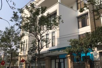 Cho thuê nhà Biệt thự Nguyễn Xiển, Thanh Xuân. DT 90m2 x 5 tầng, mt 12m LH: Gia Linh 0399.909.083