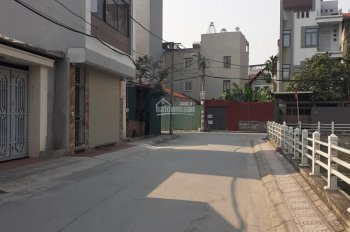 Cần bán nhà góc 48m2 2 MT, gần hồ điều hòa Ngọc Thụy, Long Biên