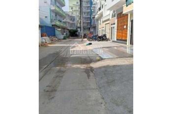 Hẻm xe hơi thông Dương Quảng Hàm, phường 5, Gò Vấp. DT: 4x18m, công nhận 72m^2. Giá: 4.9 tỷ TL